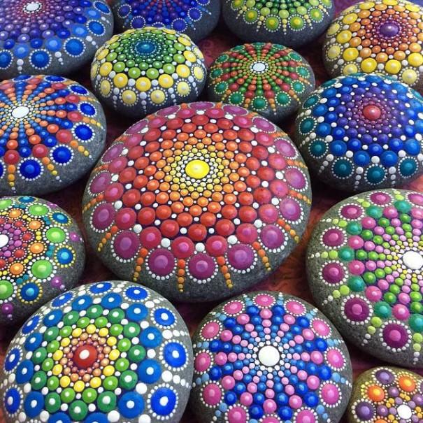 stone-art-mandala-elspeth-mclean-canada-11-605x605